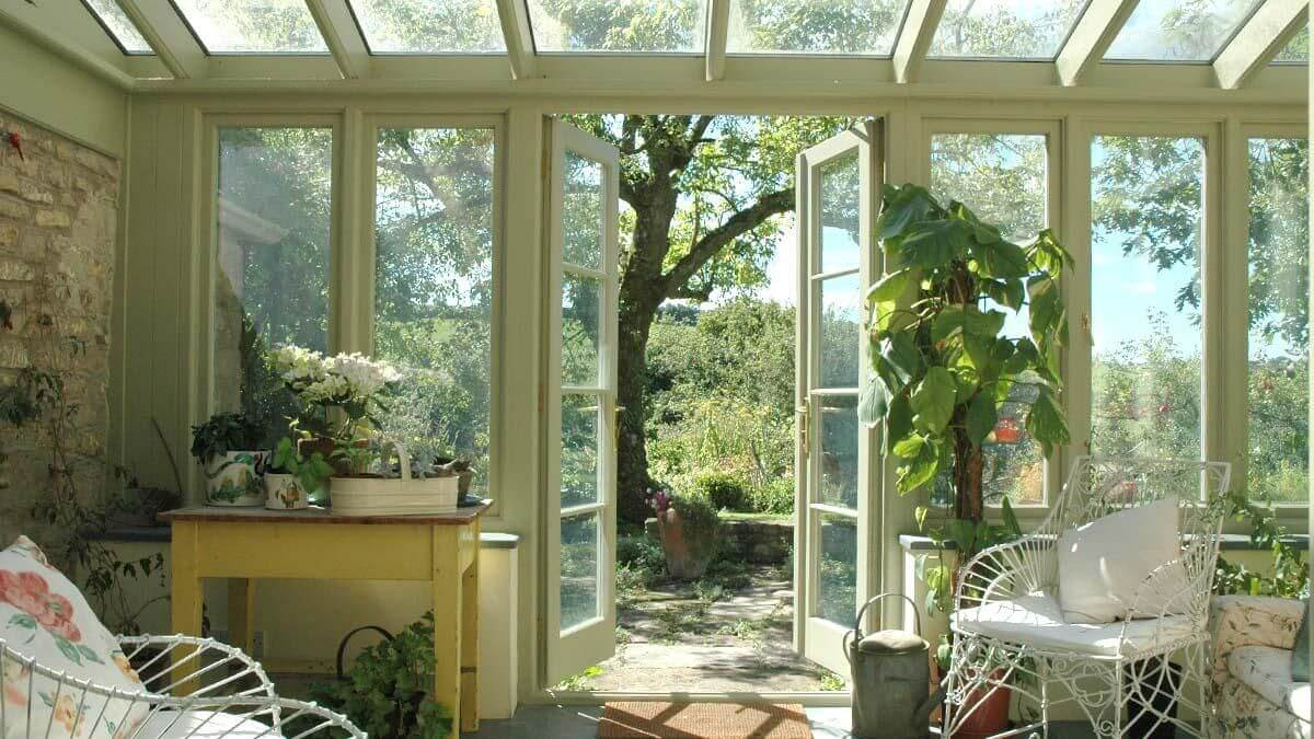 What Colour Should Your Conservatory Be - Green